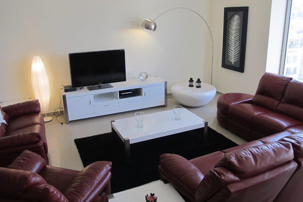Luxury Apartment in Dair Ghbar